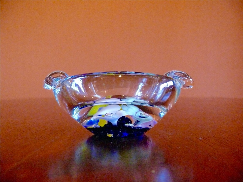 St Clair Glass Paperweight Ashtray with Controlled Bubbles and Yellow Pink  Blue Green White Flowers, Vintage Trinket Dish Barware