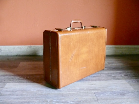 Hard Sided  Luggage  21 by 16 by 7.5 Samsonite Brown Suitcase