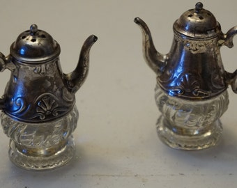 Vintage Teapot style Silver plated Salt & Pepper Shakers