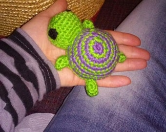 Little crochet turtle