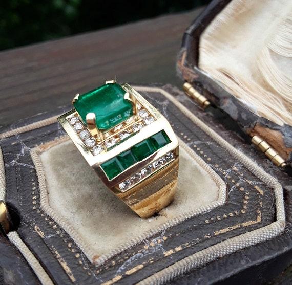 18k Gold Diamond Colombian Emerald Men's Ring Unis