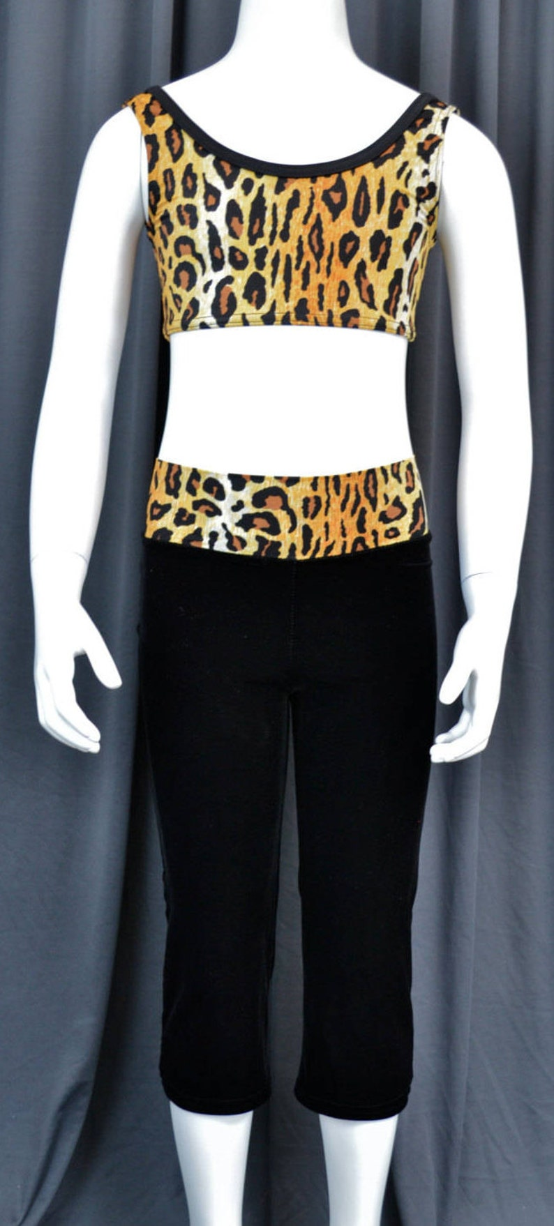 4d5a6457b Dancewear Girl 2 Piece Animal Print Scoop Neck Crop Top Black