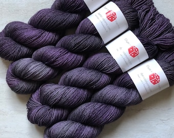 Grapes of Wraith - Purple , Gray - Hand Dyed Yarn - Squish Wish Sock - 75% Superwash Merino Wool/25 Nylon