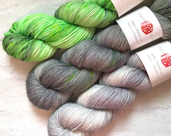 Odyssey Shawl Kit - Fade Kit - Green, Gray - Hand Dyed Yarn - Squish Like Grape DK - 100% Superwash Merino Wool