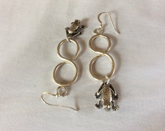 Infinity frog earrings
