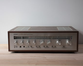 Yamaha CR-820 AM/FM Stereo Receiver