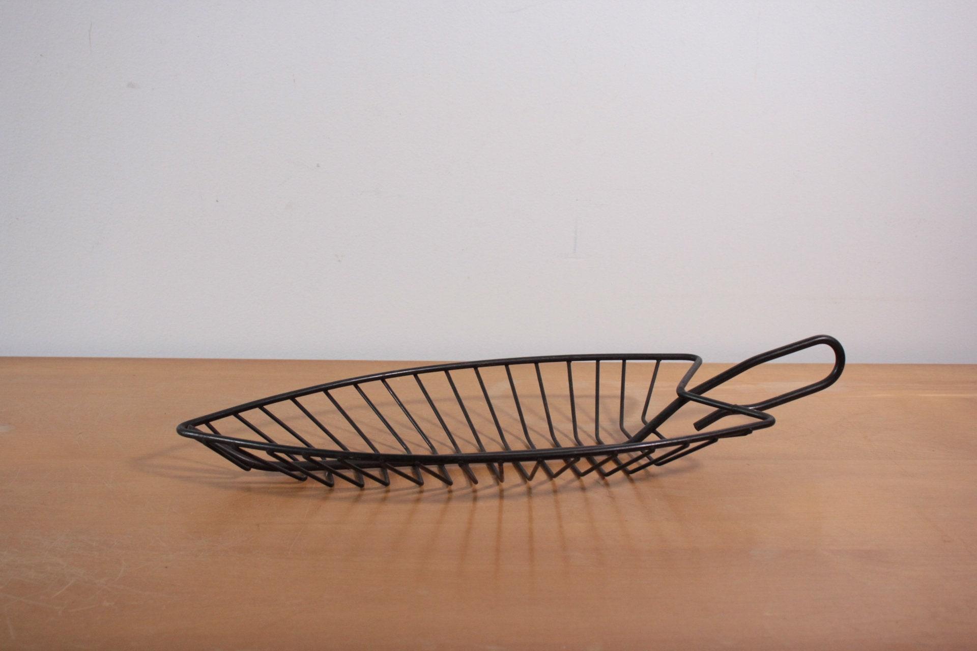 12pc antique bronze iron leaf pendant-4177