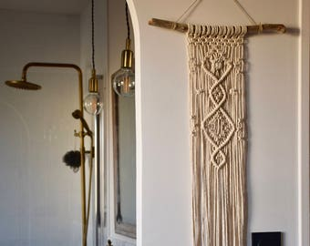 Wall hanging macrame / macramé wall art / wood / driftwood