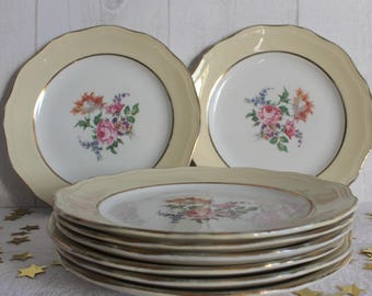 8 dessert plate in porcelain and nets gold. 50's. L'AMANDINOISE. France.