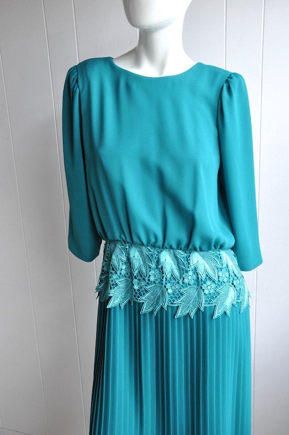 Miss Elliette Green Pleated Dress w/ Lace Waistban