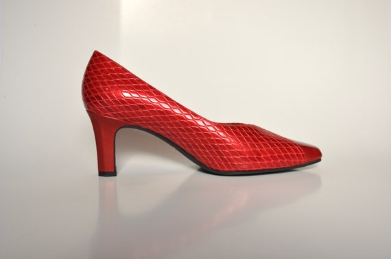 90s Red VEGAN Bombshell Snakeskin Pumps, Carriage… - image 2