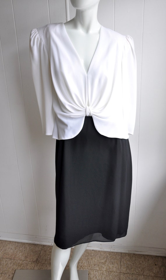 Size 16 Marilyn Monroe Black and White Pinup Dress