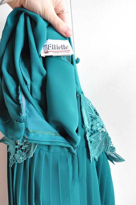 Miss Elliette Green Pleated Dress w/ Lace Waistba… - image 7