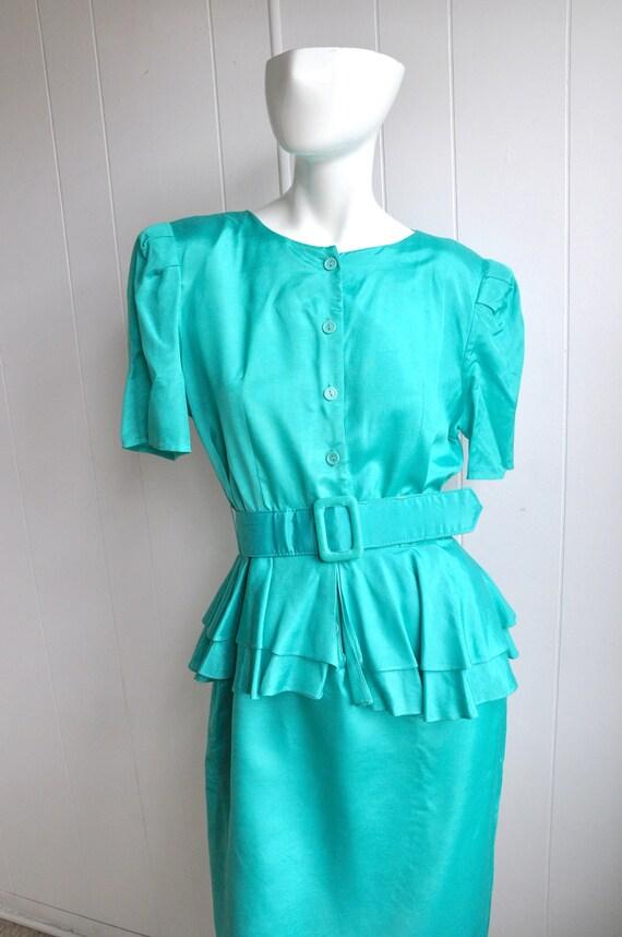 70s Green Peplum Dress w/ Belt, Buttons, Joni Blai