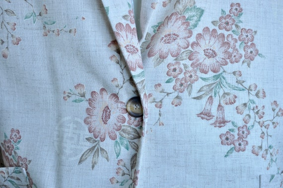 Size 1X Plus Oatmeal Linen Floral Tao Te Ching Asi