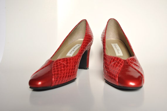 90s Red VEGAN Bombshell Snakeskin Pumps, Carriage… - image 5