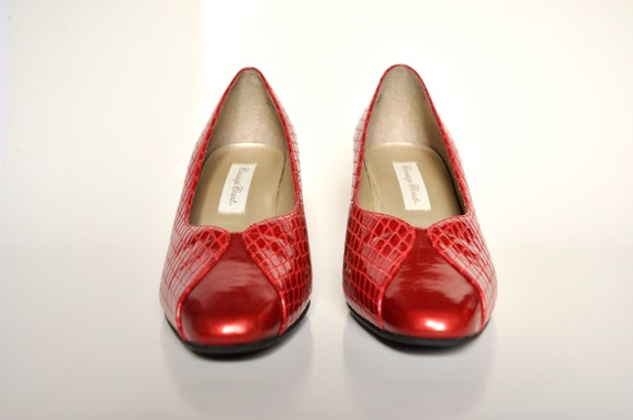 90s Red VEGAN Bombshell Snakeskin Pumps, Carriage… - image 4