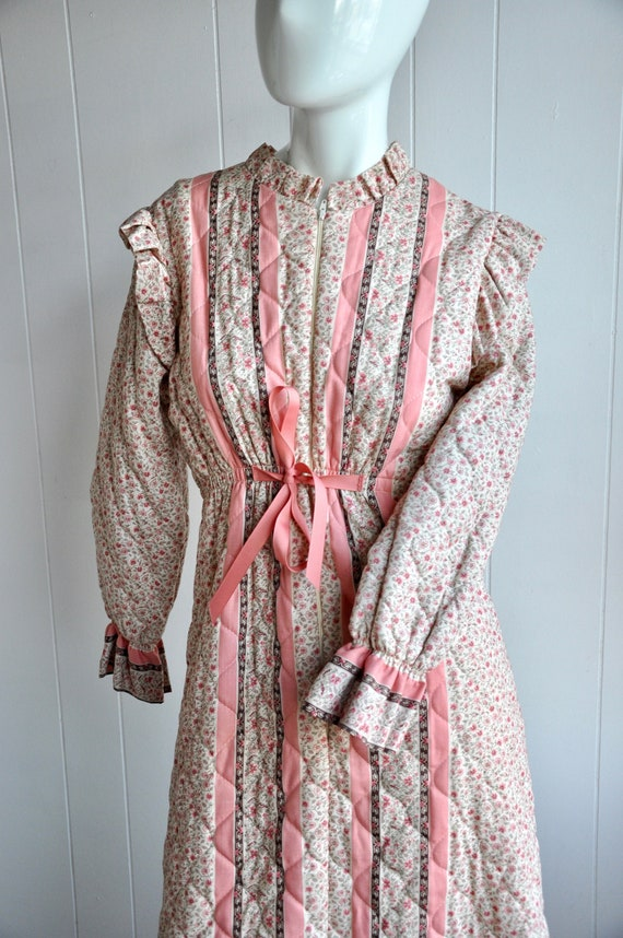 70s Gunne Sax Dress Robe, Pink Floral Quilted Prai