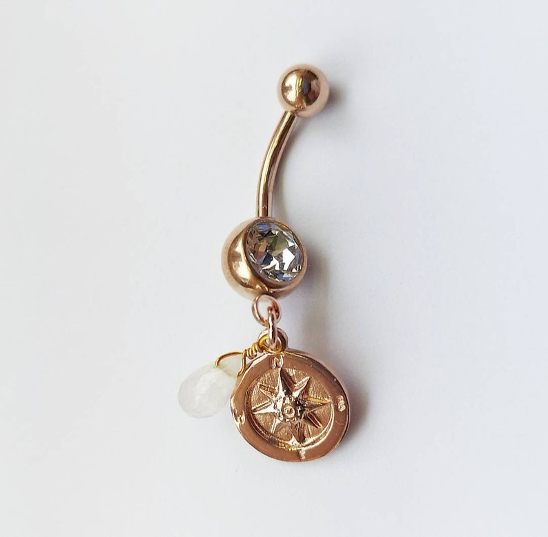Rosegold Belly Button Piercing With Compass Moonstone