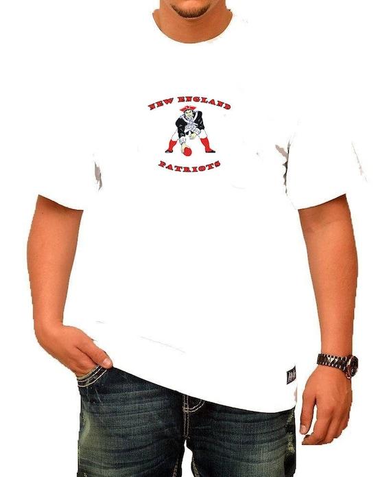 29d0ac892 Old School New England Patriots Men s T-Shirt
