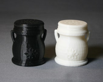 3D Printed Compostible Salt and Pepper Shaker 3D- YOU FILL