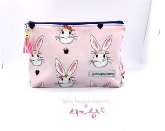 Small zipper bag for beautiful things