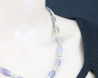 Made in Nepal - Jewelry - Stone and  Necklace - Oval Cut Lilac Amethyst Stone