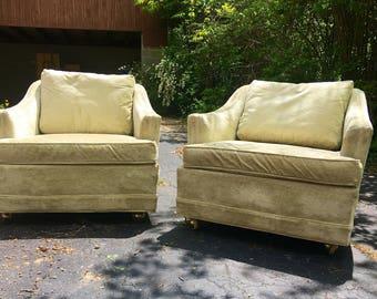 Pair Of Vintage Mid Century Club Chairs By Kroehler