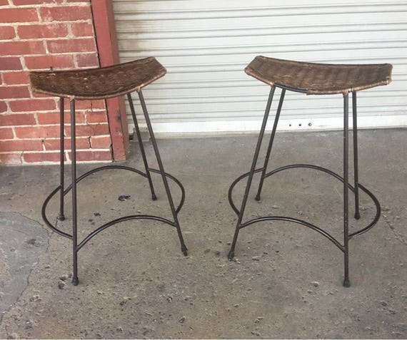 Miraculous Set Of 5 Vintage Mid Century Modern Wrought Iron Stools In The Style Of Arthur Umanoff Dailytribune Chair Design For Home Dailytribuneorg
