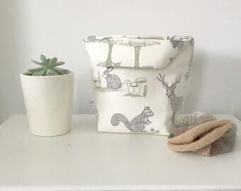 REVERSIBLE Fabric basket WITH HANDLES - Storage basket, Craft bin, Craft storage, Sock bag, Sock project bag, sock project basket