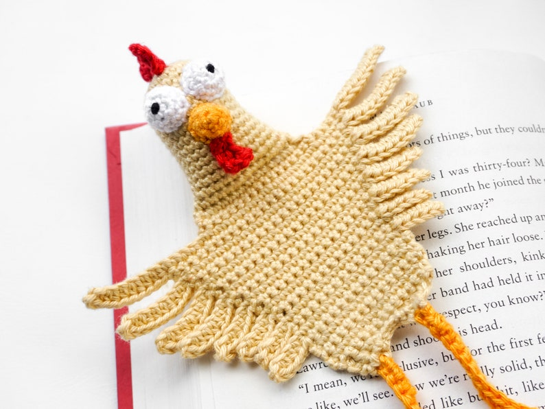 Chicken Bookmark Crochet Pattern  Amigurumi PDF Pattern image 0