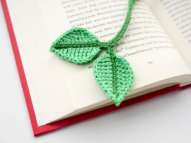 Leaf Bookmark Crochet Pattern  Amigurumi PDF Pattern image 0