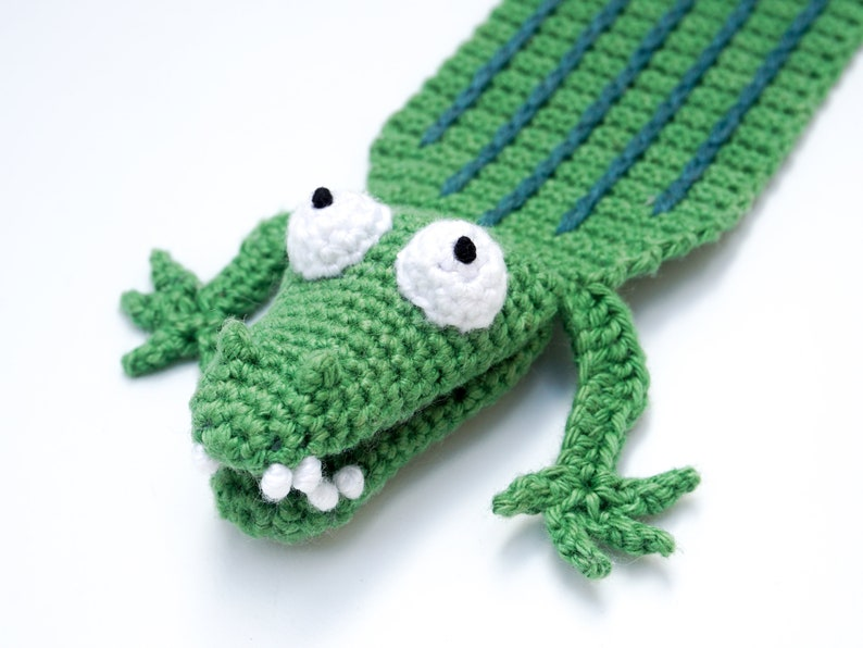 Crocodile Bookmark Crochet Pattern  Amigurumi PDF Pattern image 0
