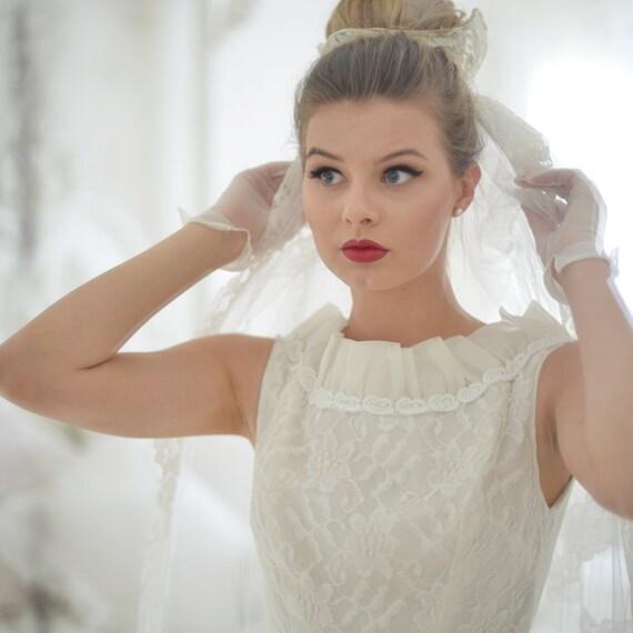 Vintage 50s tea length wedding dress - image 3