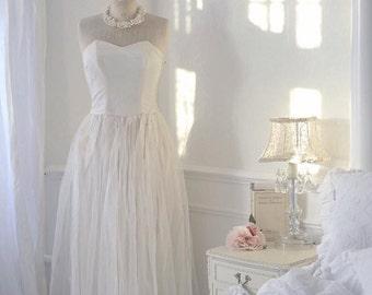 Stunning 30s wedding dress