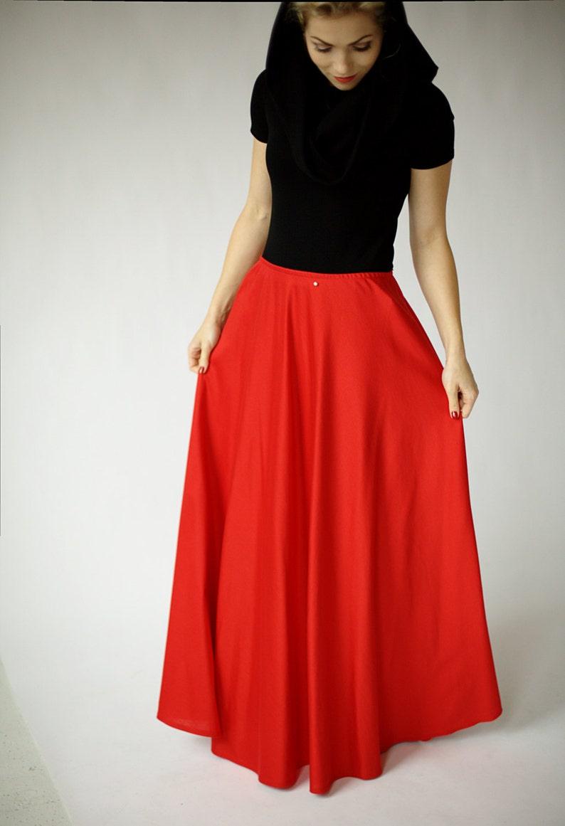 d7ce869d50240d Rood maxi rok met elastiek in de taille rode vloer lengte