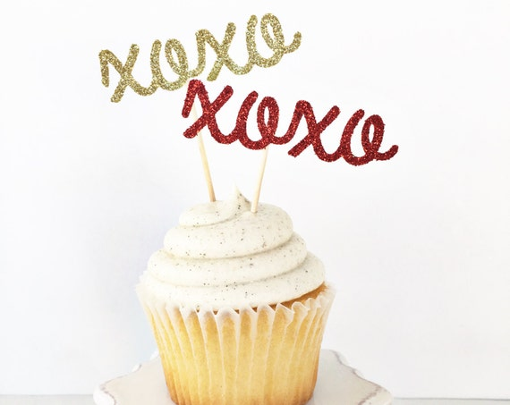 XOXO Cupcake Toppers / Valentine's Day Cupcake Toppers / Valentine's Day Decorations / Valentine's Day Party / Valentine Dessert