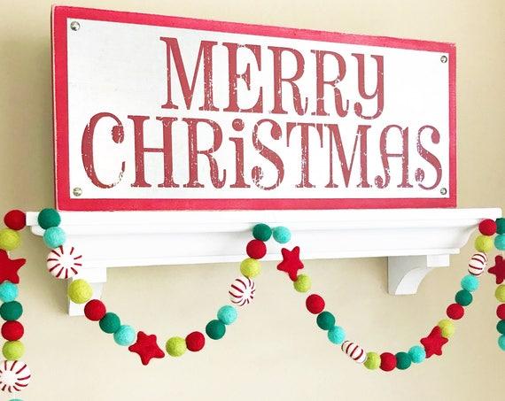 Christmas Garland / Felt Ball Garland / Peppermint Felt Balls / Holiday Garland / Christmas Decorations / Be Merry / Merry Christmas Banner