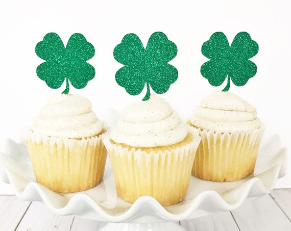 Four Leaf Clover Cupcake Toppers / St Patrick's Day Cupcake Toppers / St Paddy's Day Decorations / Kiss Me I'm Irish / Get Lucky