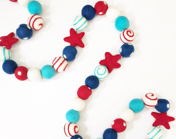 Fourth of July Felt Ball Garland With Felt Stars