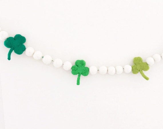 Shamrock Garland / Felt Shamrocks / St. Patrick's Day Garland / St. Patrick's Day Decorations / St. Patty's Day / Pom Pom Garland / Lucky