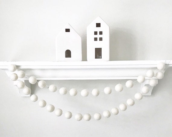 White Felt Ball Garland / Whimsical Garland / Pom Pom Garland / Farmhouse Decor / Felt Pom Pom Garland / White Felt Balls / Home Decor