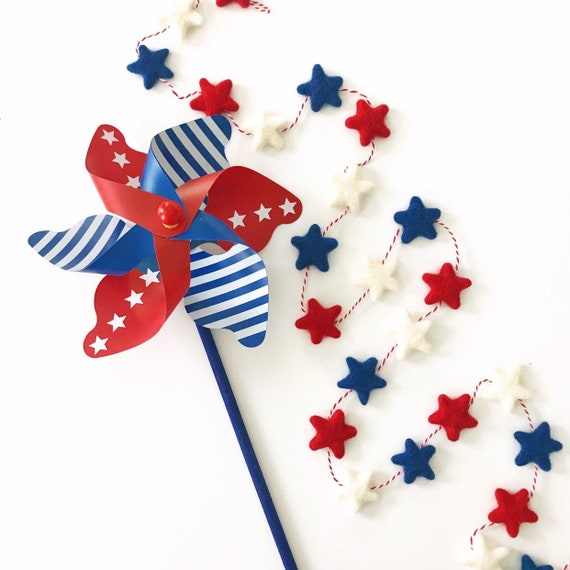 Felt Star Garland / Red White and Blue Garland / Red White Blue Felt Balls / 4th of July Garland / Pom Pom Garland / USA / Memorial Day