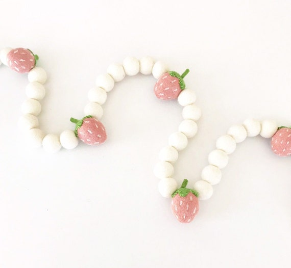 Strawberry Felt Ball Garland / Strawberry Party Decor / Felt Strawberries / Strawberry Banner / Berry Sweet / Strawberry Garland