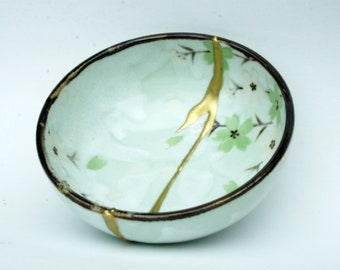 "Kintsugi bowl. Japanese ceramics Collection ""Natsu"". Ref. 550"