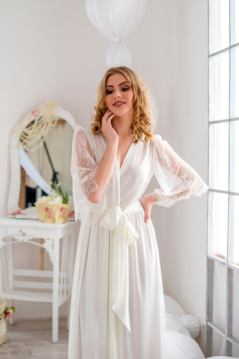 getting ready womens robe Long bridal robe with lace sleeves silk satin bride gown honeymoon lingerie Maxi lace wedding robe
