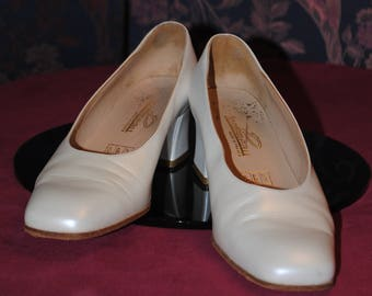 Pearly white shoes - 1970 - size: 37.5