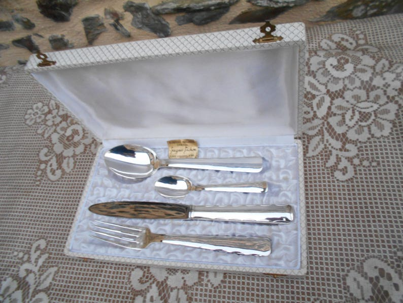 Vintage Boxed  4 Piece Cutlery Set Silver plate