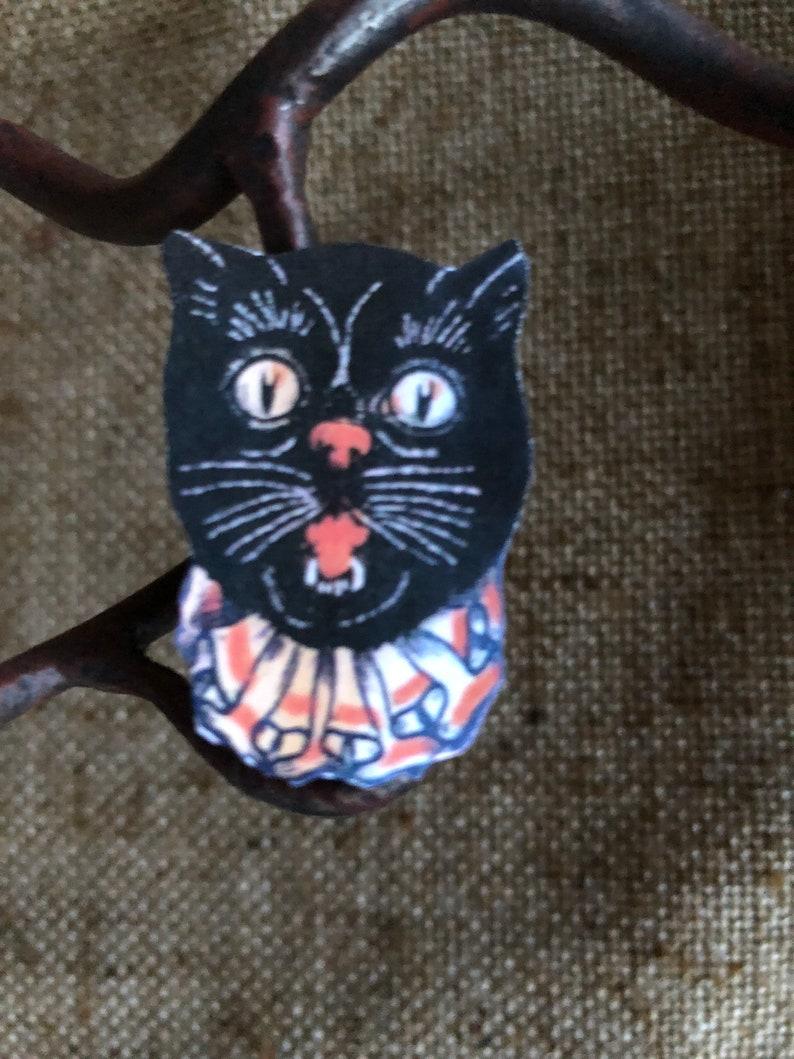 "Vintage Style Repro Gray Big Eye Owl on Branch Halloween Cardstock Decoration,6/"""