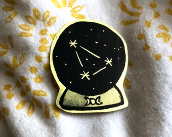 Gold Witch crystal ball Sticker, witch art, occult art, witchcraft, magic art, witch gift, girlfriend gift, gold sticker, cute gift idea